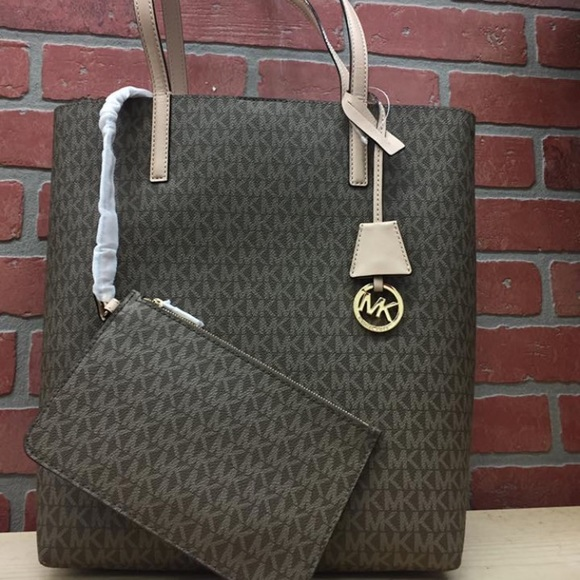 fd66b947ec24 Michael Kors Bags | Hayley Large Logo Northsouth Tote | Poshmark
